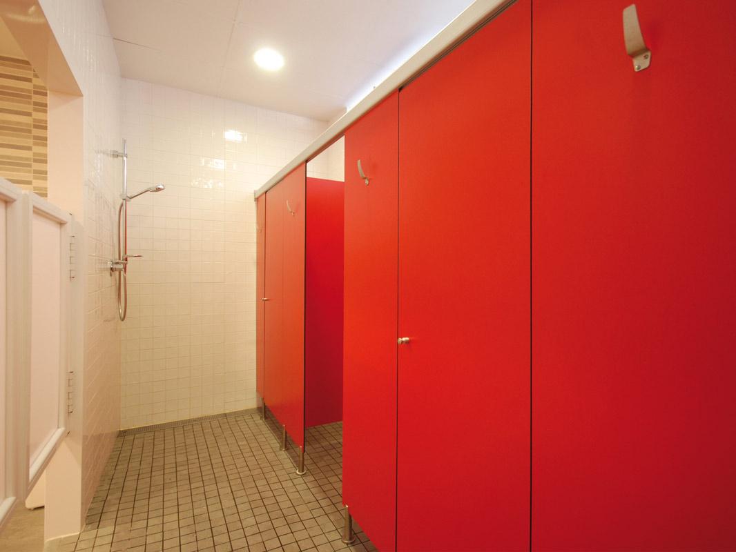 Cabina fenólica en rojo