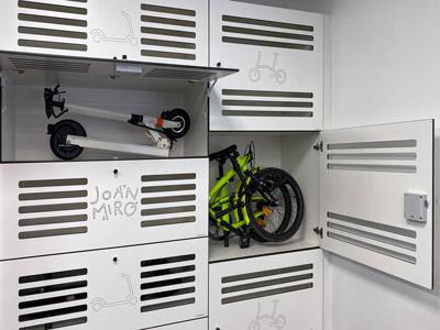 Taquillas para patinetes y bicicletas